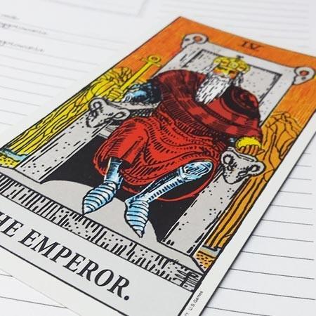 Karta Tarota Cesarz - co oznacza?